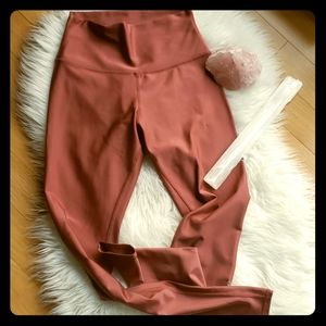 Alo high waisted pink airbrush leggings size M